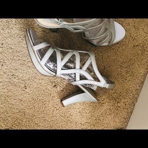 Women's Silver Naturalizer Heels.  Size 9.5